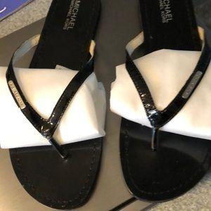 Michael Kors thong flip flop sandal sz 9